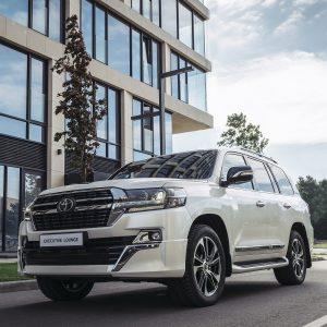 Автолюбители мечтают о Toyota: бренд в шестой раз стал самым желанным в России