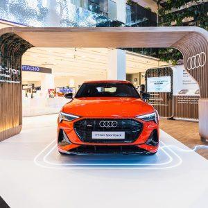 Прогрессивное эко-пространство Audi в универмаге «Цветной»