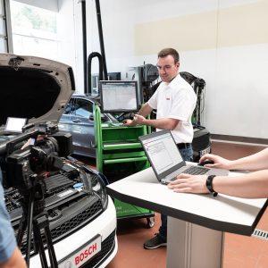 Bosch использует веб-трансляции и онлайн обучение для распространения передового опыта мастерских в условиях пандемии
