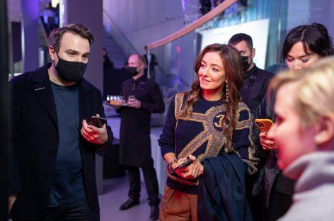 В галерее Hyundai Motorstudio в Москве открылась выставка современного цифрового искусства «Мир на проводе»
